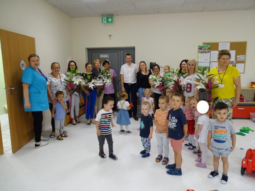 Pożegnanie dzieci odchodzących do przedszkola